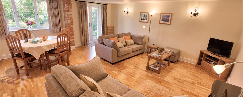 Spacious living room at Belview Cottage Dorset