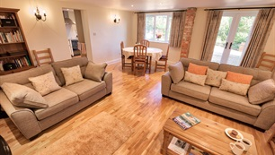 Belview Cottage Dorset - comfortable lounge area